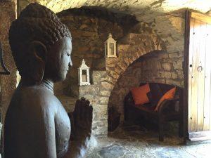 RETIRO RURAL DE YOGA Y MEDITACIÓN EN FONOLLOSA (CATALUÑA) – 3 DÍAS