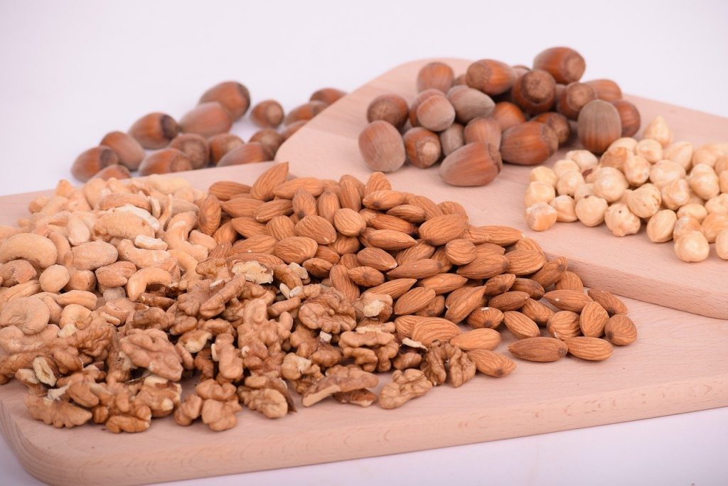 alimentos que contienen ácido fólico. Frutos secos